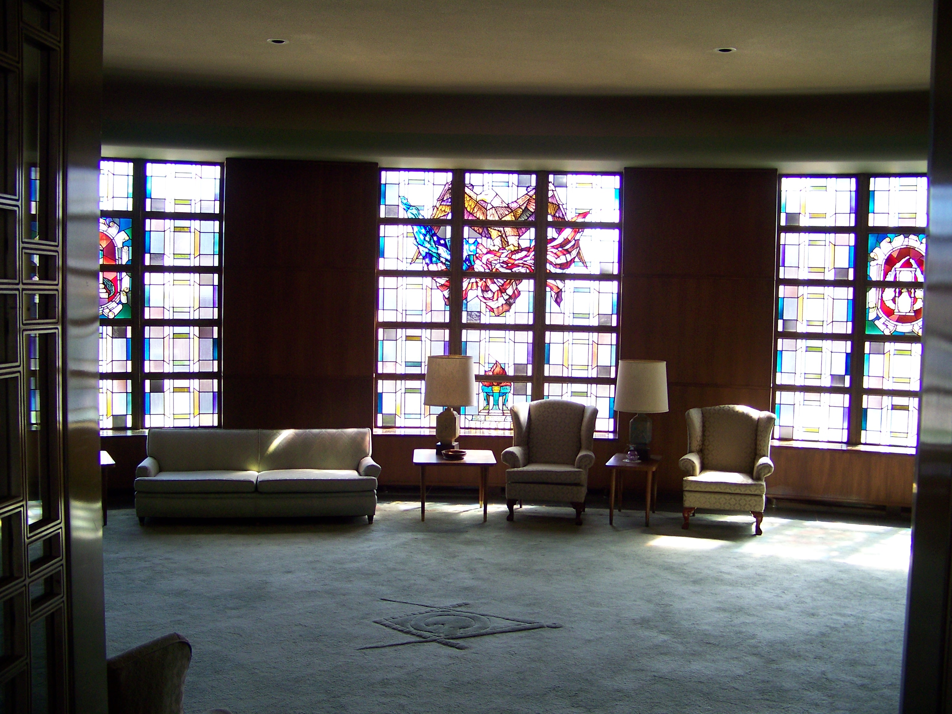 Looking into the War Memorial Room from it's entrance